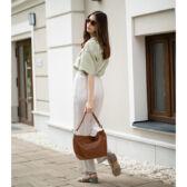 Valódi bőr női táska világosbarna színben