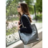 Valódi bőr női táska ezüst színben