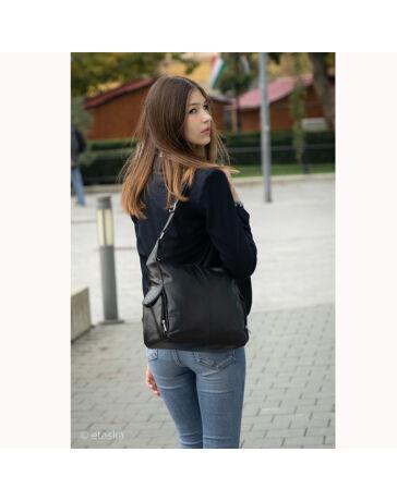 Valódi bőr női táska fekete színben