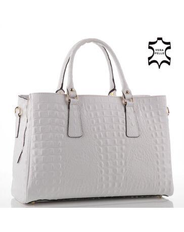 Női táskák többféle színben és stílusban - etaska - 33. oldal 05076af6f6