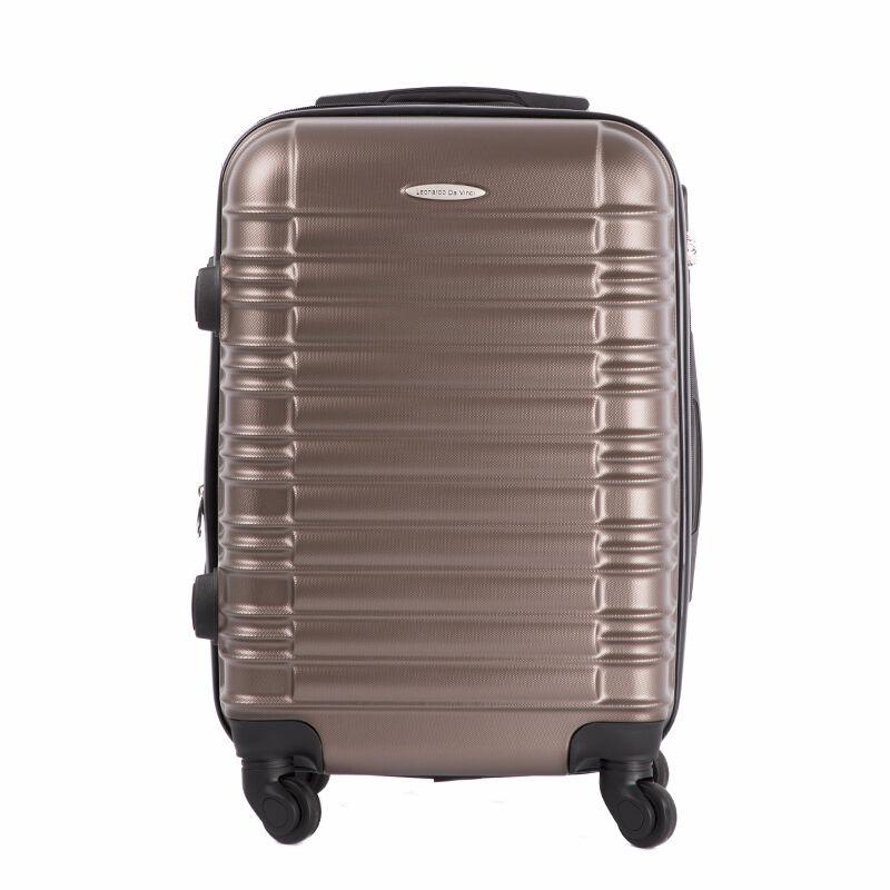 LEONARDO DA VINCI Bőrönd kabin méret bővíthető változat ÚJ WIZZAIR méret  Katt rá a felnagyításhoz 38f1bedf7d